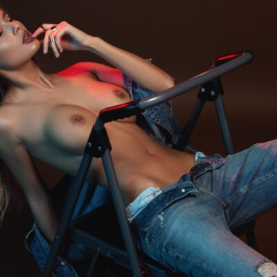 Jeane von Dee romanian model hot sexy erotic nude jeans fitness begudd magazine cover model story